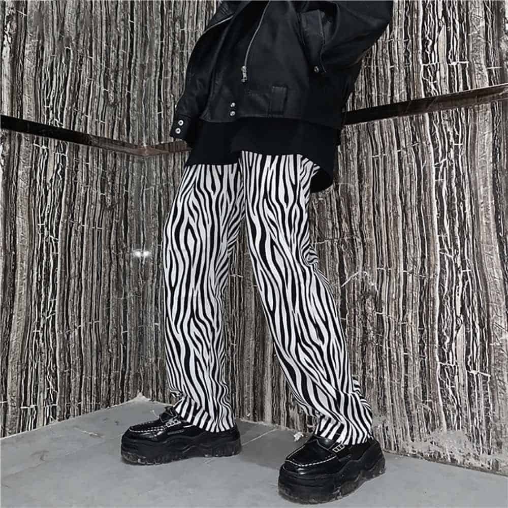 GRUNGE ZEBRA STRIPES LOOSE STRAIGHT PANTS (2)