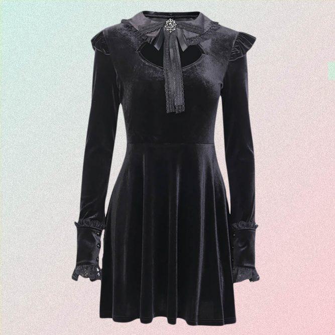 BLACK TIGHT LACE LONGSLEEVE GOTHIC DRESS