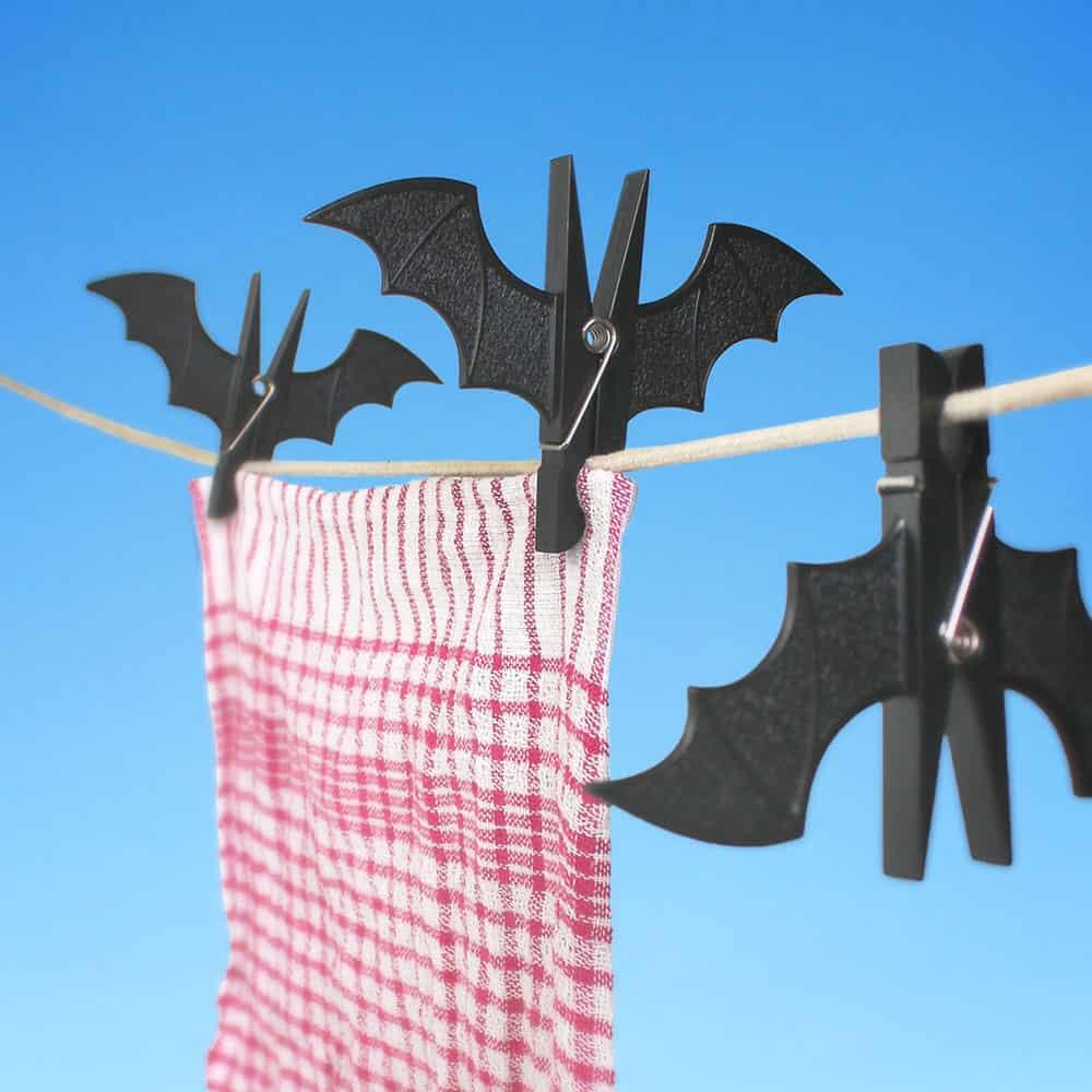 10 BLACK BATS CLOTHESPINS SET