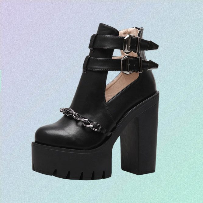 BLACK HIGH HEEL ANKLE BOOTS WITH CHAINS