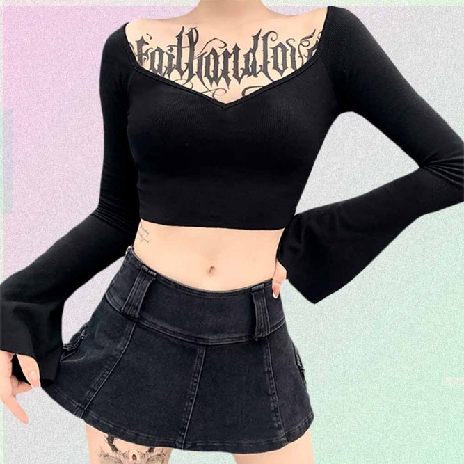 BLACK SEXY FITTED FLARED SLEEVES V-NECK CROP TOP
