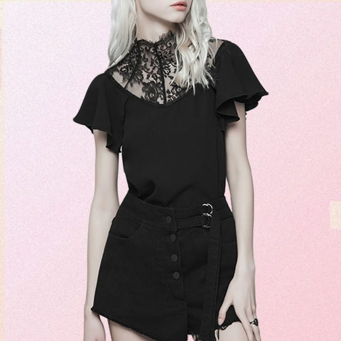 BLACK FITTED LACE T-SHIRT