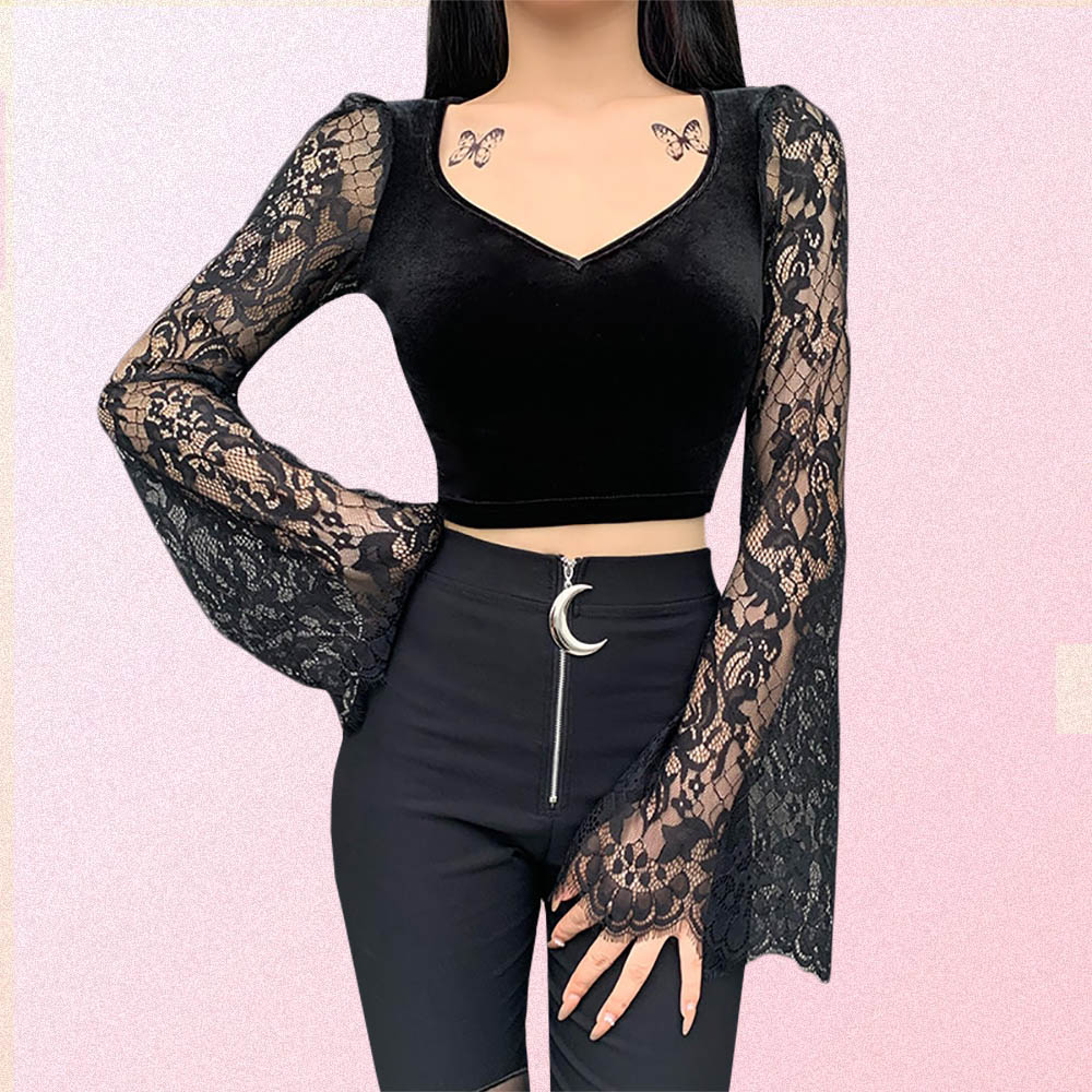 BLACK LONG FLARED SLEEVE LACE CROP TOP