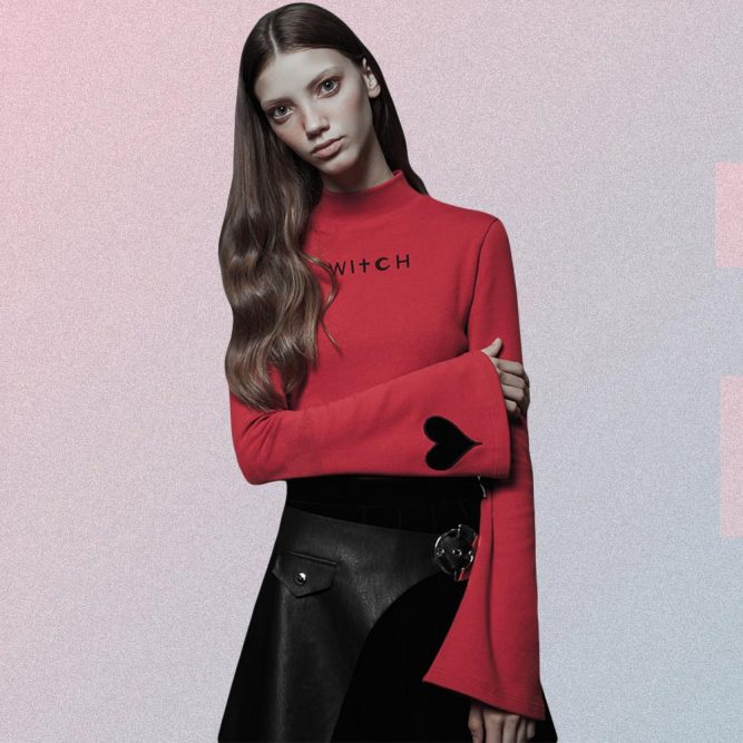 WITCH LETTERS PRINT FITTED LONG SLEEVED BLACK RED TOP