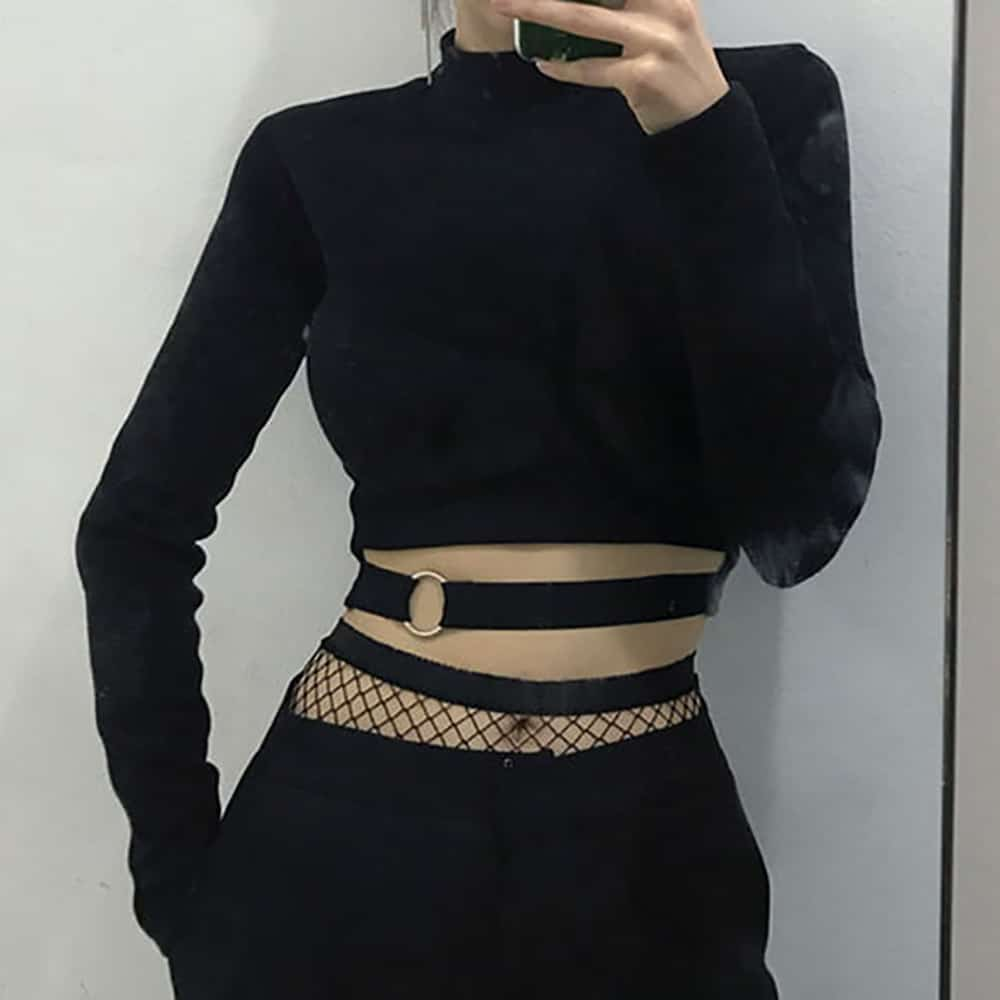 BLACK FITTED CROP TOP WITH BELT