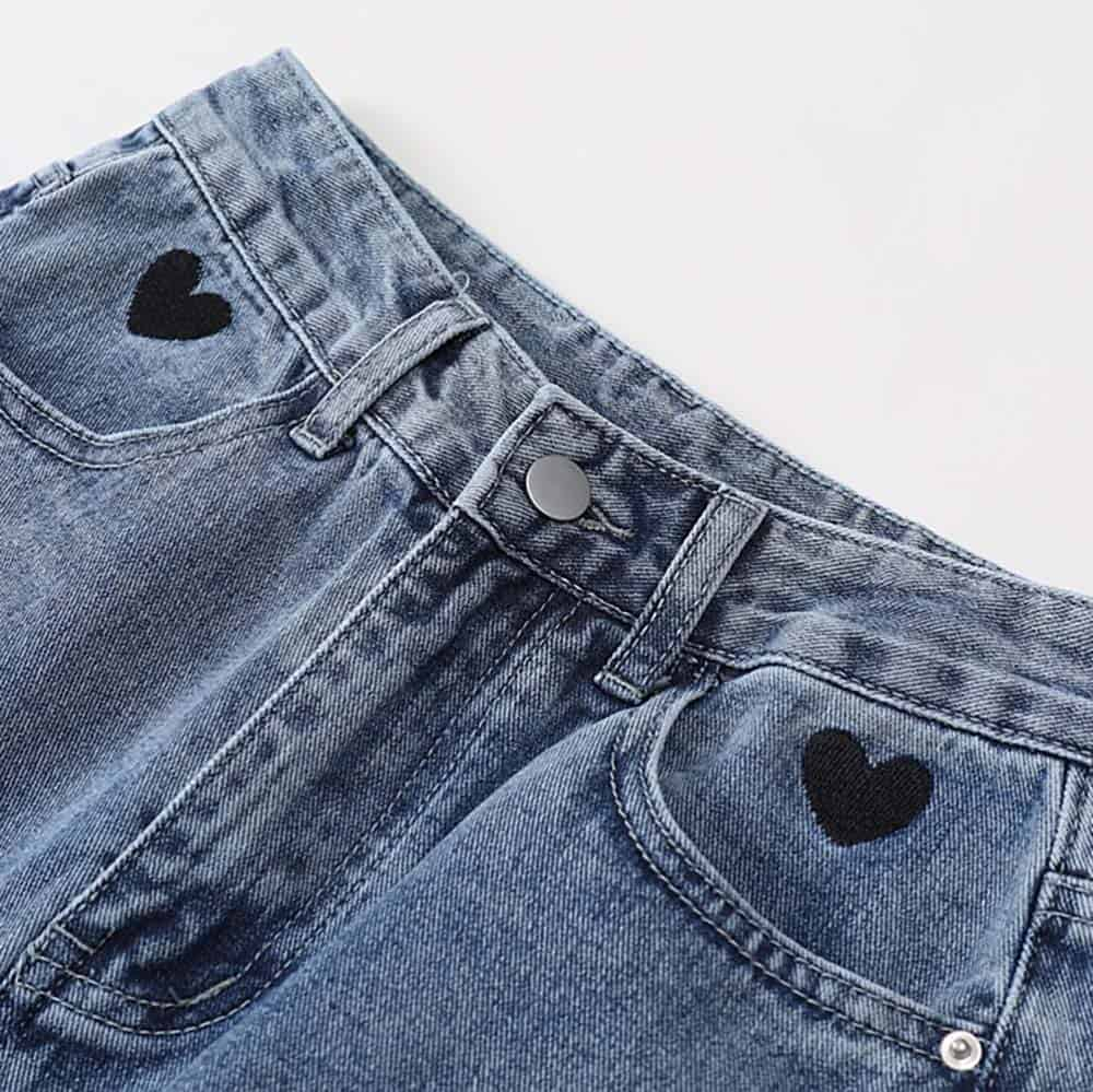 EMBROIDERY HEARTS OVERSIZED HIGH WAIST JEANS