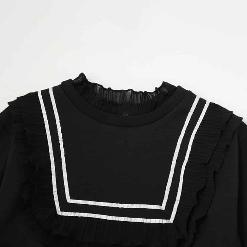 VINTAGE BLACK LONG SLEEVE SWEATER WITH RUFFLES