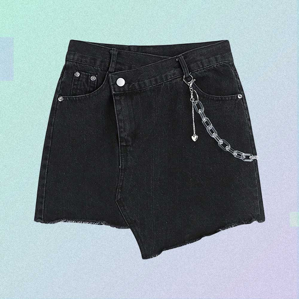 ASYMMETRIC RIPPED BLACK AESTHETIC SHORTS WITH CHAIN
