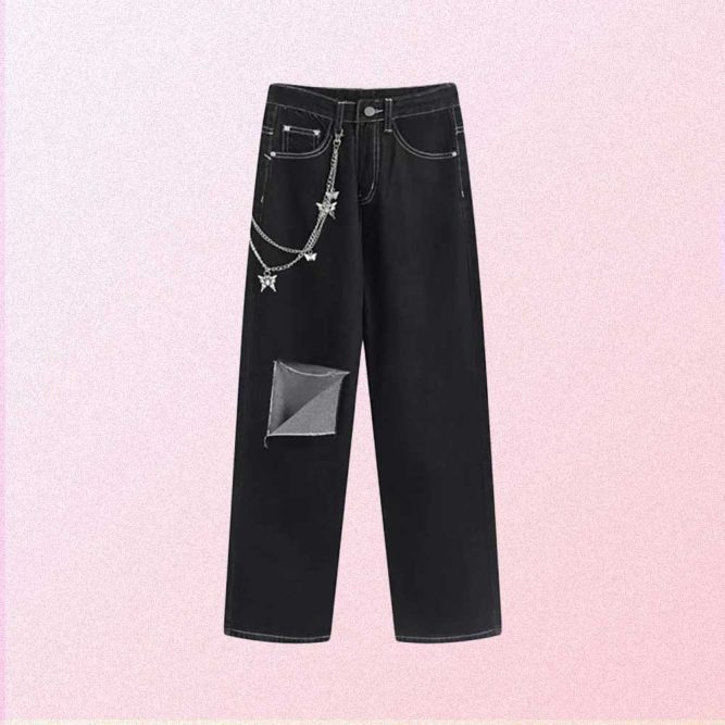BLACK AESTHETIC RIPPED JEANS WITH BUTTERFLY CHAIN