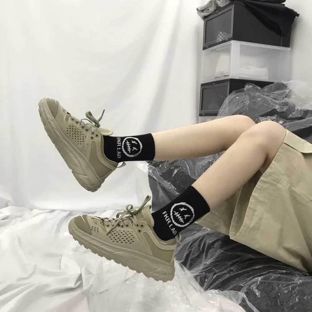 DAZED HEAD PRINT BLACK AESTHETIC SKATE SOCKS (2)