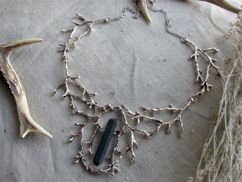 GOTH AESTHETIC WITCH BRANCHES NECKLACE WITH CRYSTAL